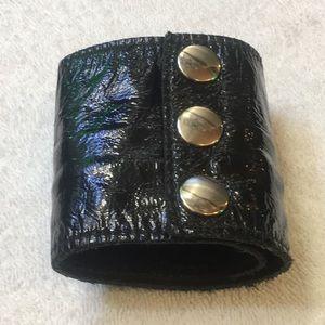Jewelry - Leather Cuff Zipper Inside